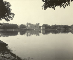 Burdwan - The 'Aftab House' on the banks of the Kishensagar Lake